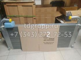 XB00004998 Радиатор масляный Hitachi ZX330LC-5G